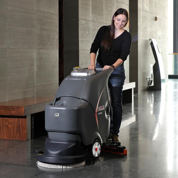 如何合理选购手推式洗地机?